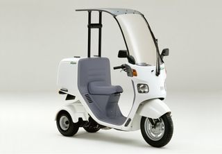 Hondas-gyro-three-wheeled-scooter-3